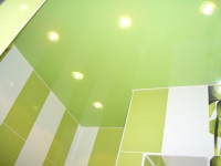 Stretch ceiling in the bathroom