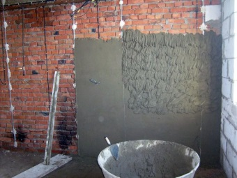 Application of cement - lime plaster