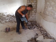 Dismantling of old concrete screed