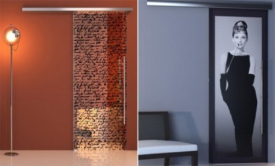 Glass decorative door for WC