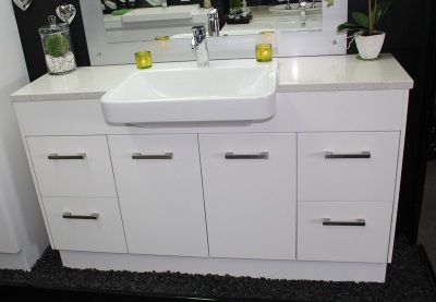 Floor cabinet with a large cap for washbasin