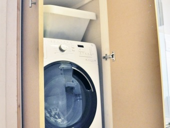 Wardrobe for the washing machine and its location in the bathroom