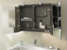 Mirror cabinet with hinged doors