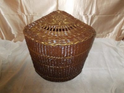 Corner laundry basket from newspaper tubes