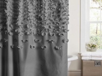Fabric Curtains with decoration in bathroom