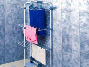Outdoor clothes dryer in the bathroom