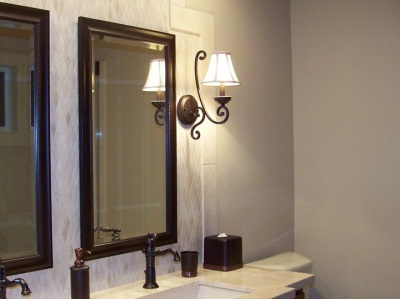 Disadvantages of wall sconces in the bathroom