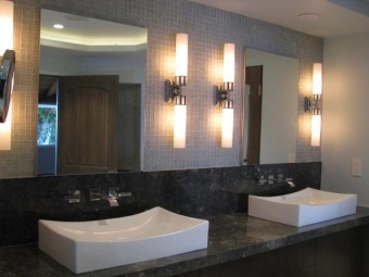 Wall bathroom with ambient light