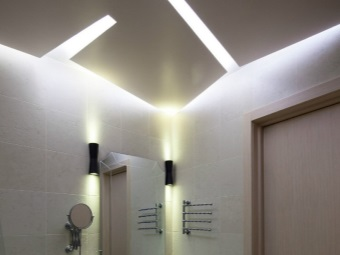 Built-in fluorescent lighting fixtures for the bathroom