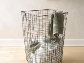 laundry basket for the bath of metal wire