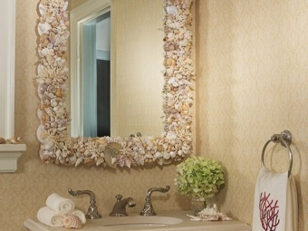Scrap materials for self- decoration in the bathroom mirror
