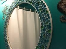 Tips for installing a mirror made ​​with their hands in the bathroom