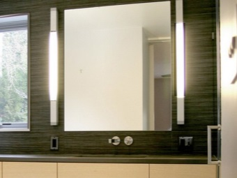Wall bathroom mirror with light