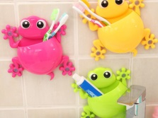 Kids cups for toothbrushes