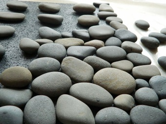 We have stones on the mat