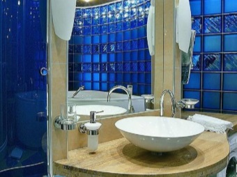 blue glass blocks in the design of the bathroom