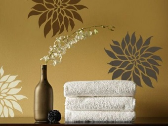 Dark paint stencil painting bathroom walls