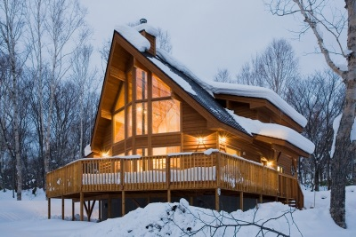 The house is in a chalet -style