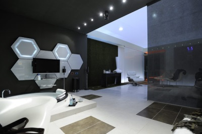 Style high-tech bathroom with black and white - unusual interior bathroom