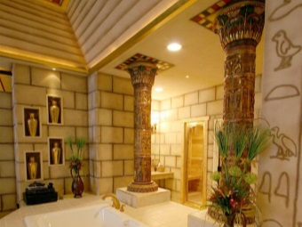 Bathroom in the Egyptian style