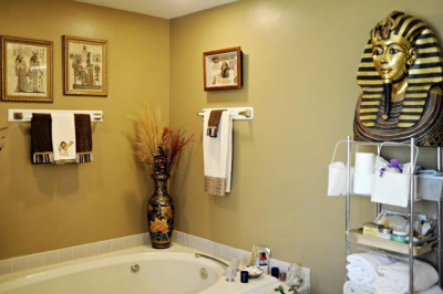 Bathroom made ​​in Egyptian style