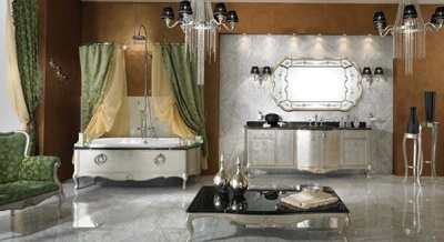 The spacious bathroom in the Baroque style