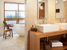 Functional large bathroom