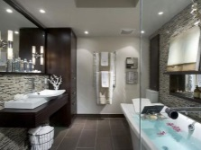Beautiful and fashionable bathroom