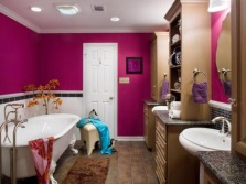 The abundance of bright colors in the bathroom