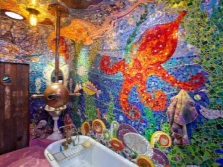 Saturated colors in the bathroom with marine issues