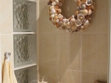Marine theme in bathroom accessories