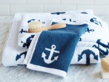 Textiles in the bathroom in marine style