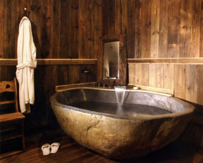 Skinning of walls in a wooden bathtub