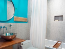 Bathroom - silver and turquoise