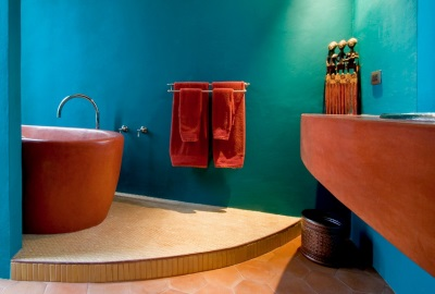 Turquoise and red bathroom