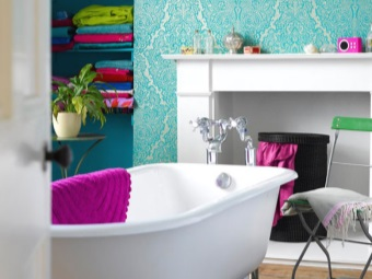 accents in turquoise bathroom