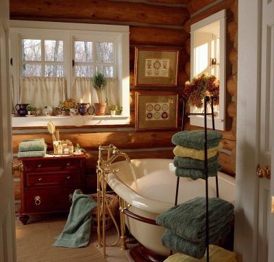 Beautiful country-style bathroom with a picture