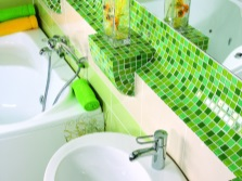 Lime color in modern bathroom