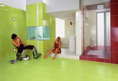 Light green bathroom combined with maroon