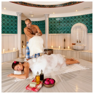 Foam massage in the hammam