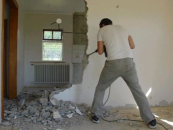 Demolition of the walls with his own hands