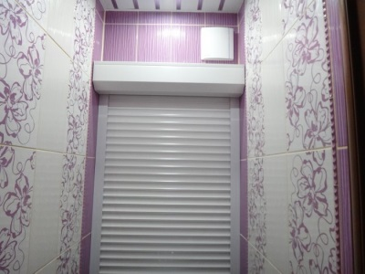 Shutters on the toilet