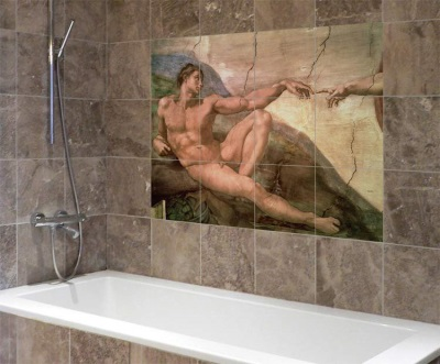 Photo tiles in the design of the bathroom
