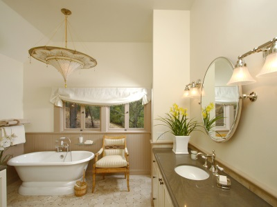 Light beige bathroom