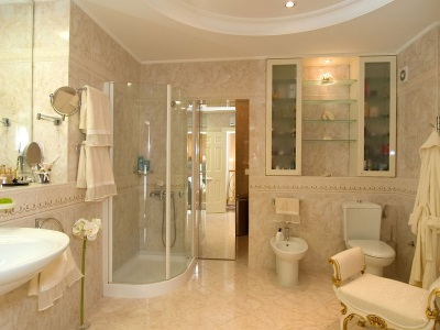 Beige with beige bathroom ceiling