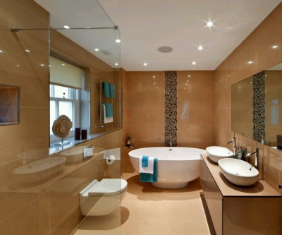 Beige bathroom with a dark stripe