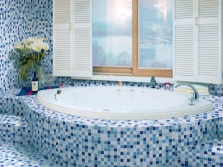 Mosaic in blue bathtub