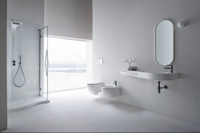Calm white bathroom
