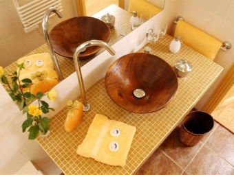 Brown yellow sink in bathroom