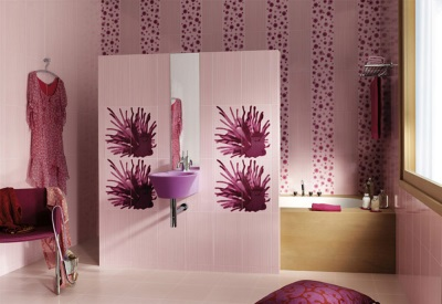 Purple with light shades in the bathroom